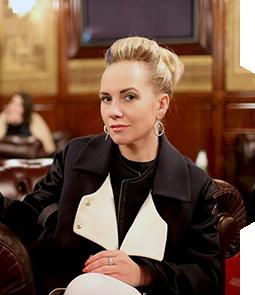 Blogger Elena Maksudy